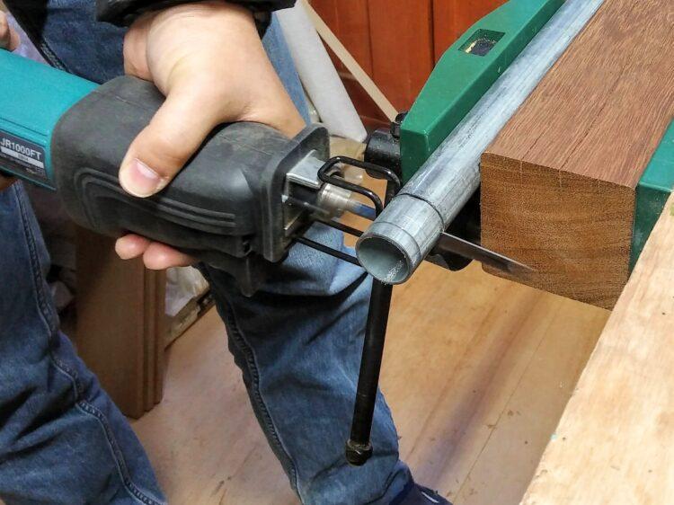 レシプロソーによる丸鋼管の切断