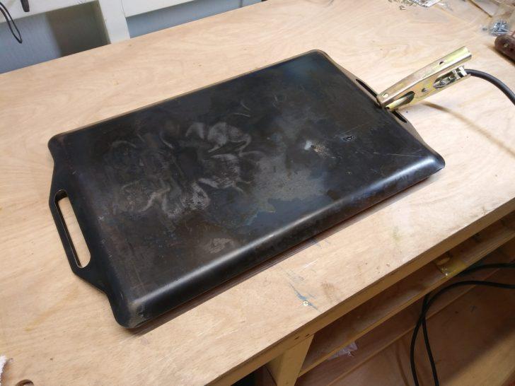 BBQ用鉄板を作業台に利用