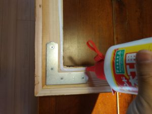 木工用接着剤塗布