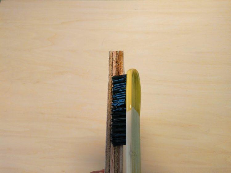 ゴム系接着剤塗布