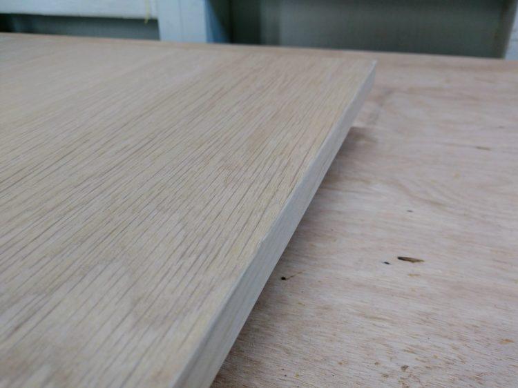 突き板と木口テープの境目