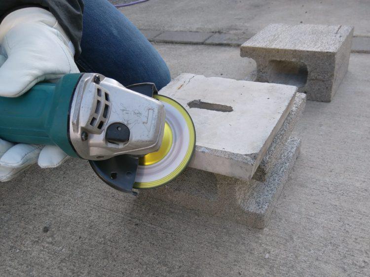コンクリートの蓋の面取り