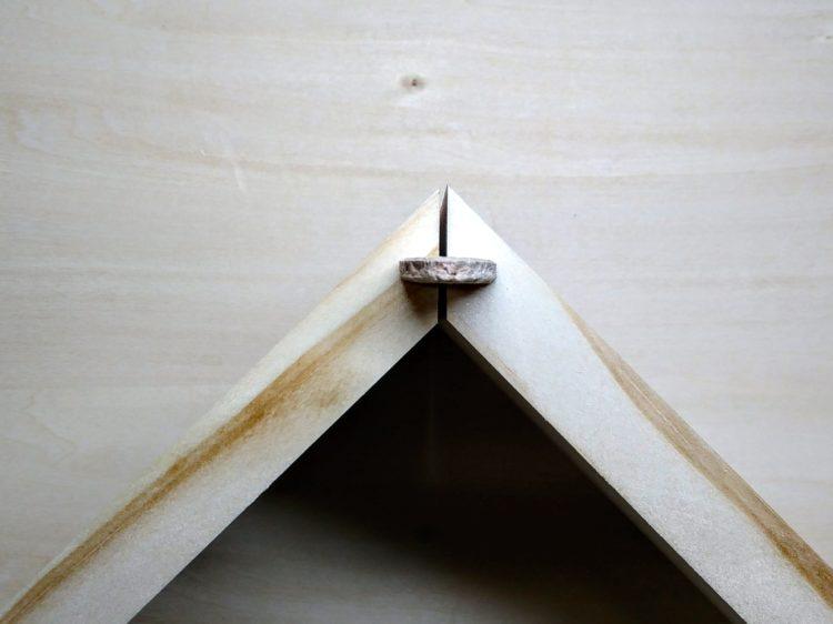 ビスケットは木端に対して垂直方向に使う