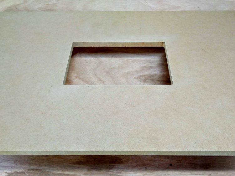 厚み9mmのMDFで型板(テンプレート)を作製