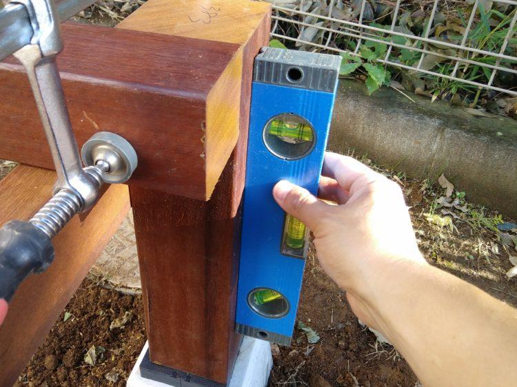 垂直・45°傾斜を計測できる水平器