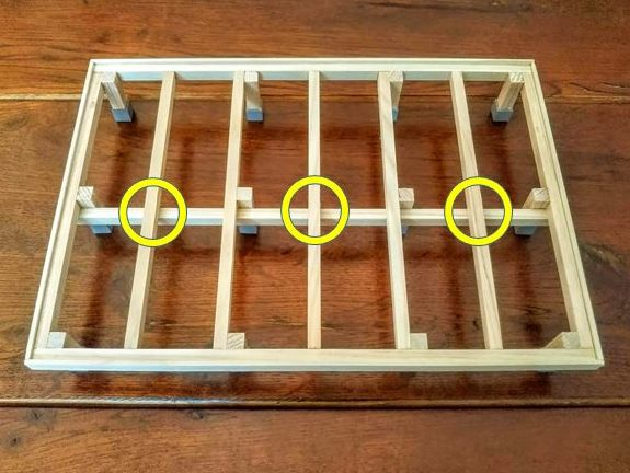 大引きを設置し、束柱を省略出来る箇所