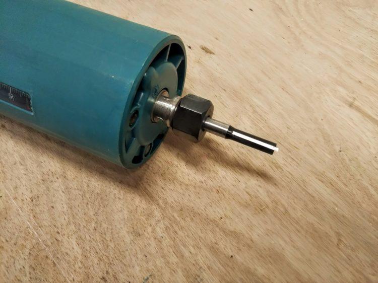 6mmのストレートビットを使用