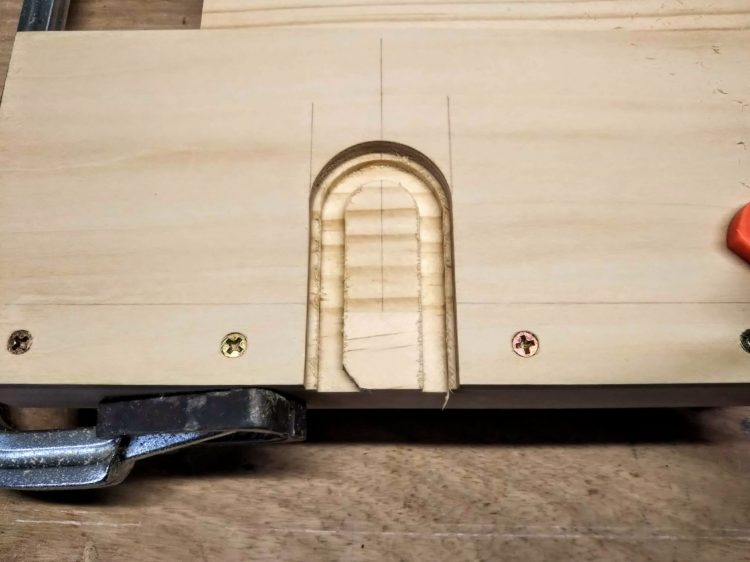 テンプレートに沿った切削