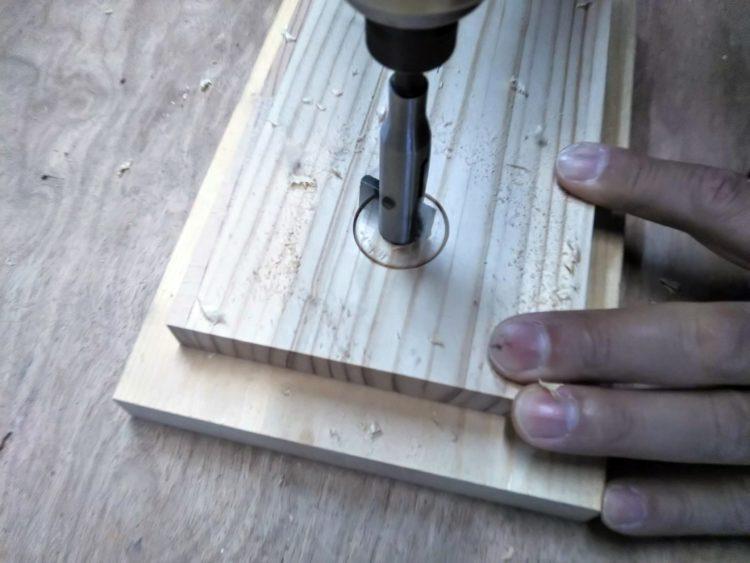 先端錐・可動刃による切削