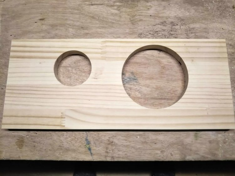 一つの錐で寸法の異なる穴あけ