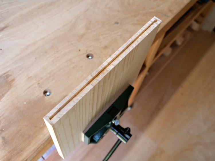 側板・木口面に溝加工完了