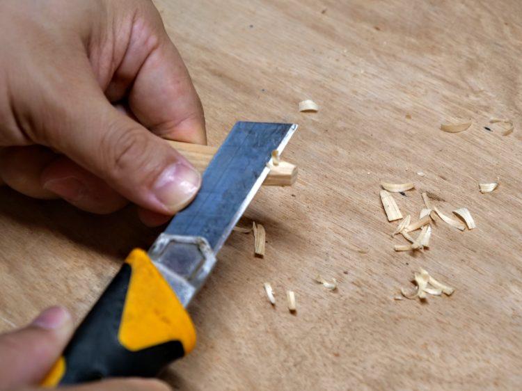ダボを削り出していく