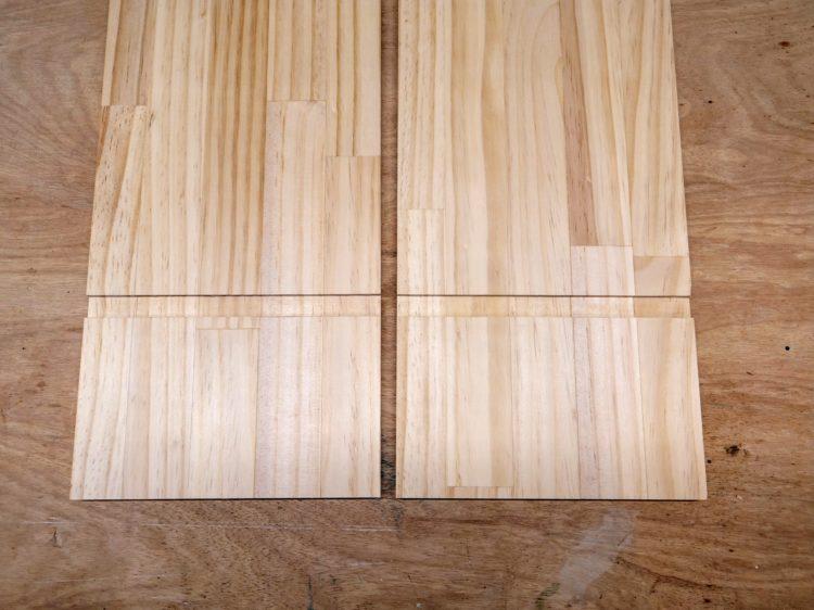 左右の側板・中仕切り板の同じ高さに溝を切削する
