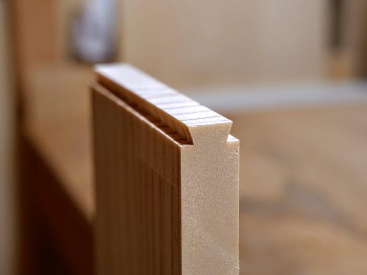 B材木口面をあり形に加工